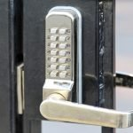 Electronic lock with pin code